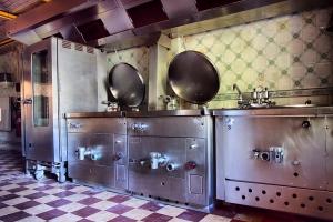 1302622_hh3_kitchen.jpg