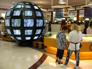tv-sphere-in-shopping-mall-92221-m.jpg